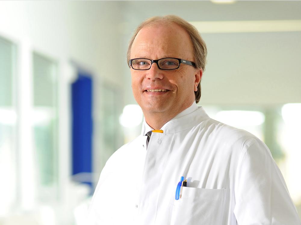 Univ.-Prof. Dr. med. Bernd W. Böttiger